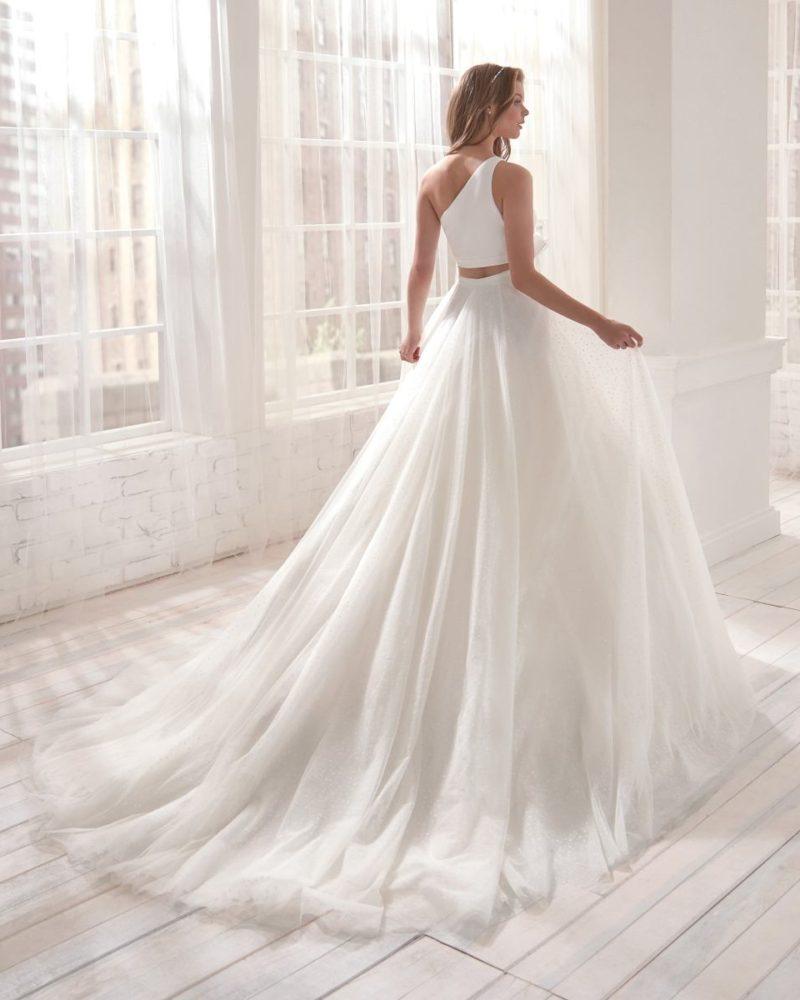 Elizabeth-Bridal-Jolies-20561-01