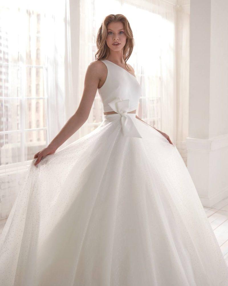 Elizabeth-Bridal-Jolies-20561-03