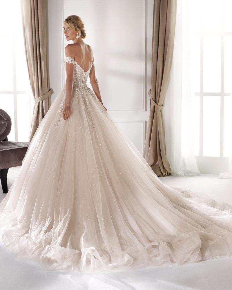 Elizabeth-Bridal-Nicole-20341-01