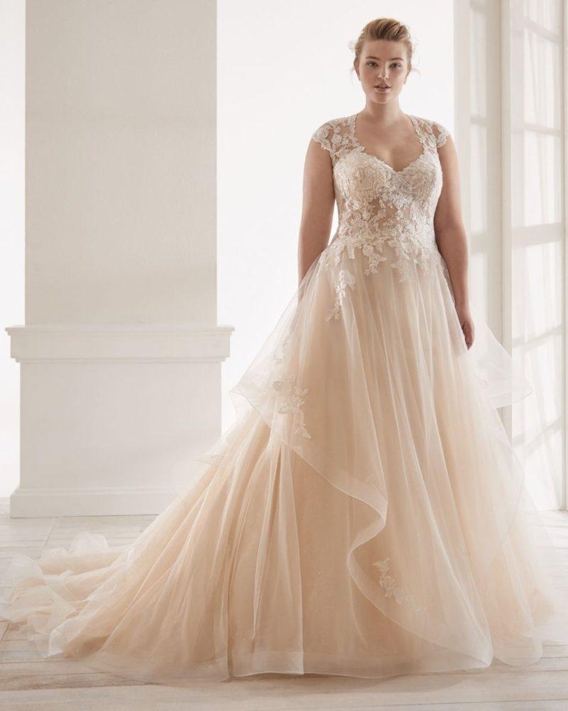 Elizabeth-Bridal-Nicole-Curves-20131