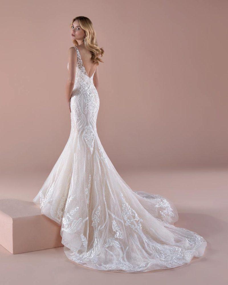 Elizabeth-Bridal-Romance-20411-03