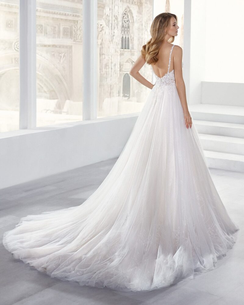 Elizabeth Bridal Nicole Milano Collection Jolies 12158 02