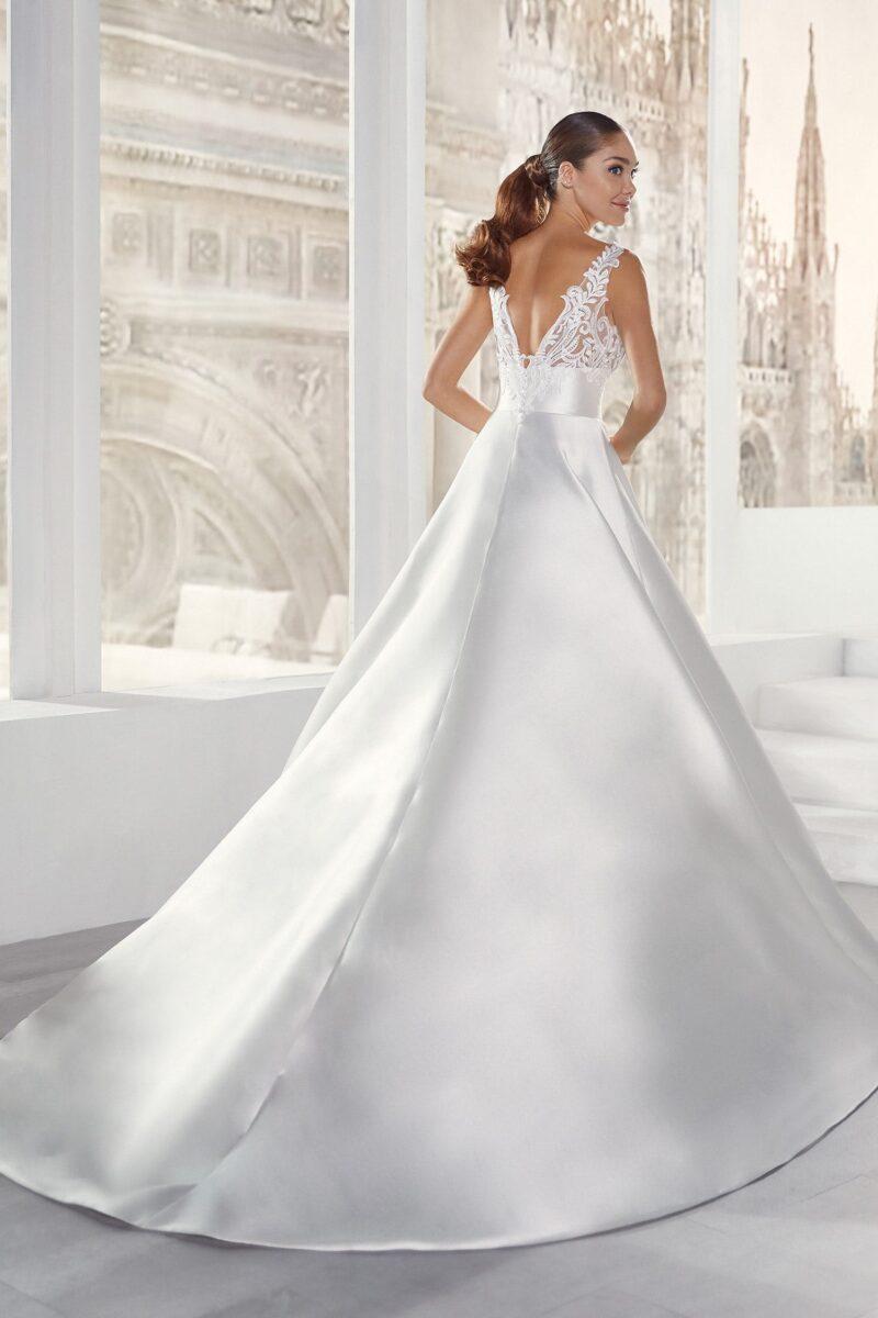 Elizabeth Bridal Nicole Milano Collection Jolies 12159 02