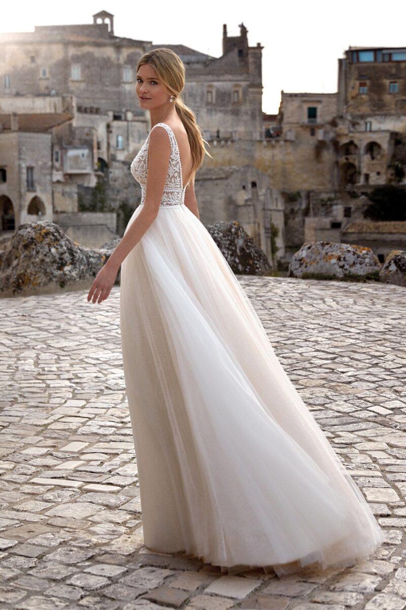 Elizabeth Bridal Nicole Milano Collection Romance 12100 01