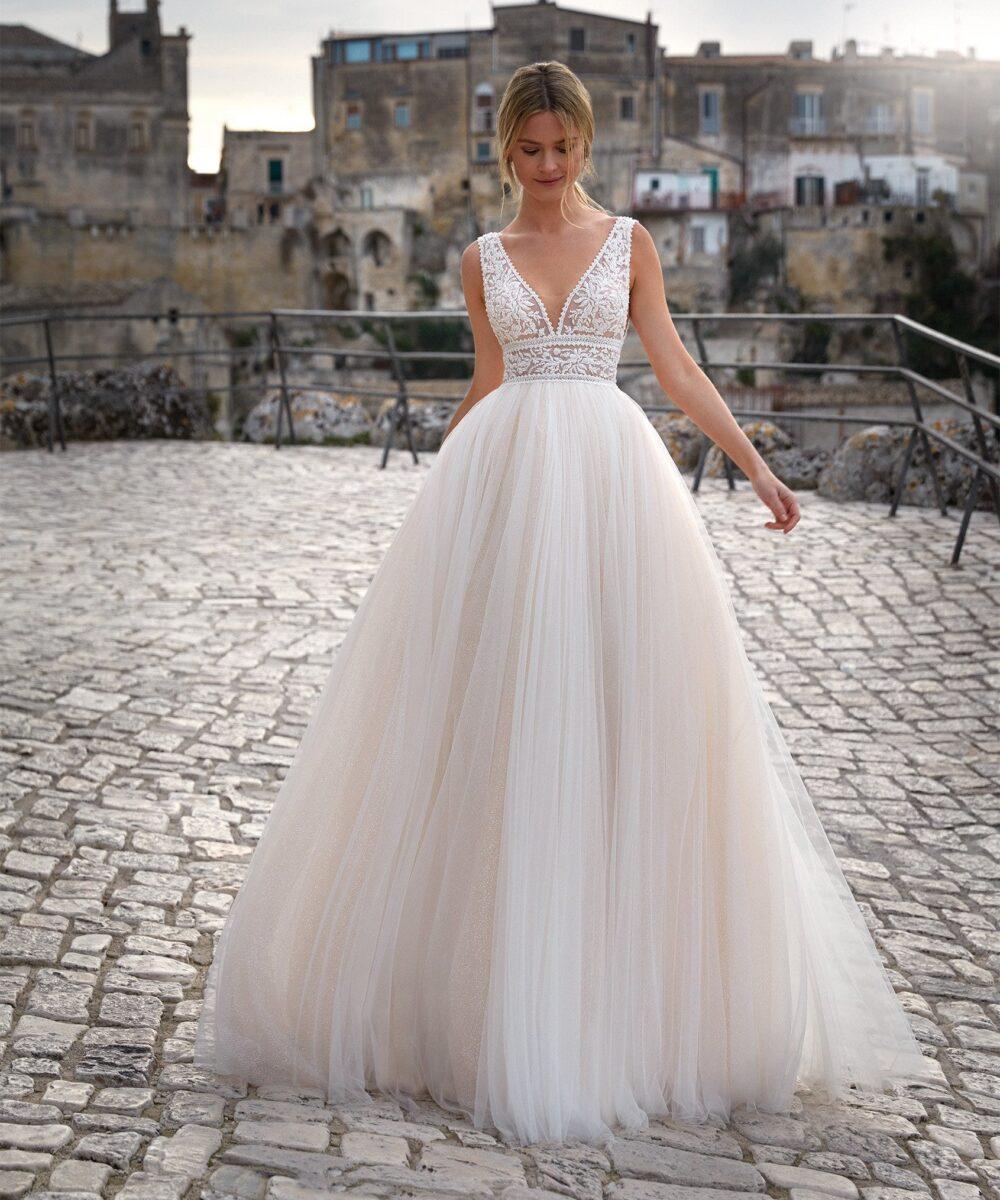 Elizabeth Bridal Nicole Milano Collection Romance 12100 02