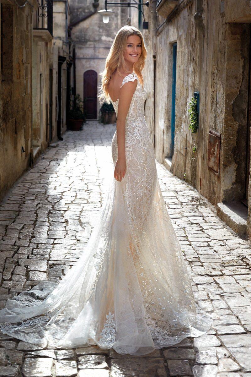 Elizabeth Bridal Nicole Milano Collection Romance 12114 02