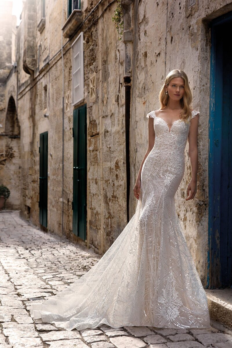 Elizabeth Bridal Nicole Milano Collection Romance 12114 03